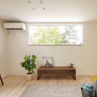 光と緑を窓に飾る家<br />【2階リビングの家】
