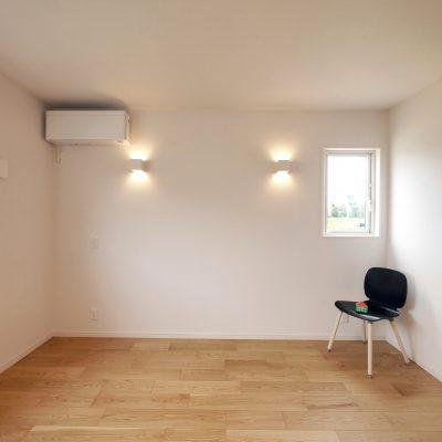 変形地・プライベートデッキの家。主寝室のこだわり照明。雰囲気よく仕上げました。