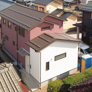 トレーニング室と自然素材と<br />【実家裏の狭小地の家】