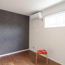 グリーンスタイルのお家見学会です。シックな雰囲気の主寝室。