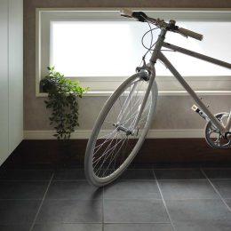 グリーンスタイルのお家見学会です。ロードバイクを飾る場所。楽しむ場所。